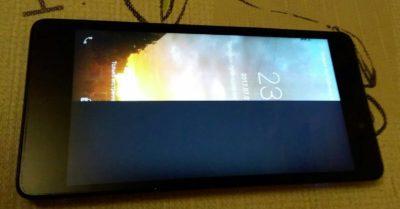 Экран стал черным на телефоне как исправить?